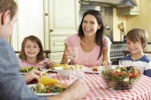 Спокойный семейный ужин – это возможно?