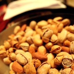 Домашняя азбука: орехи